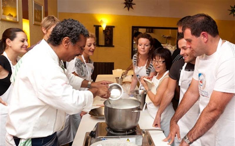 Team building parma corsi di cucina food valley travel - Corsi cucina bologna ...