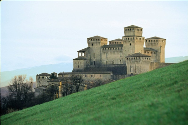 The Castles of the Duchy: the Hillside of Parma